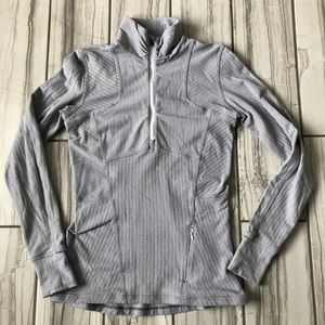 Lululemon 1/4 zip pullover. EUC like new